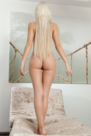 amateur photo Tight buns...