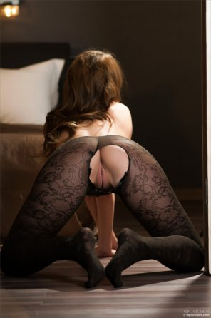 amateur photo ripped stockings