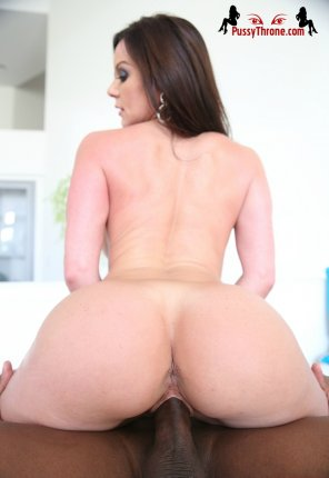 amateur photo Kendra Sit-down at Big Black Cock
