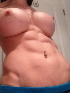 amateur photo Boobs and abs