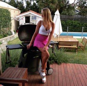 amateur photo i hear aussies love barbecues as much as their girls
