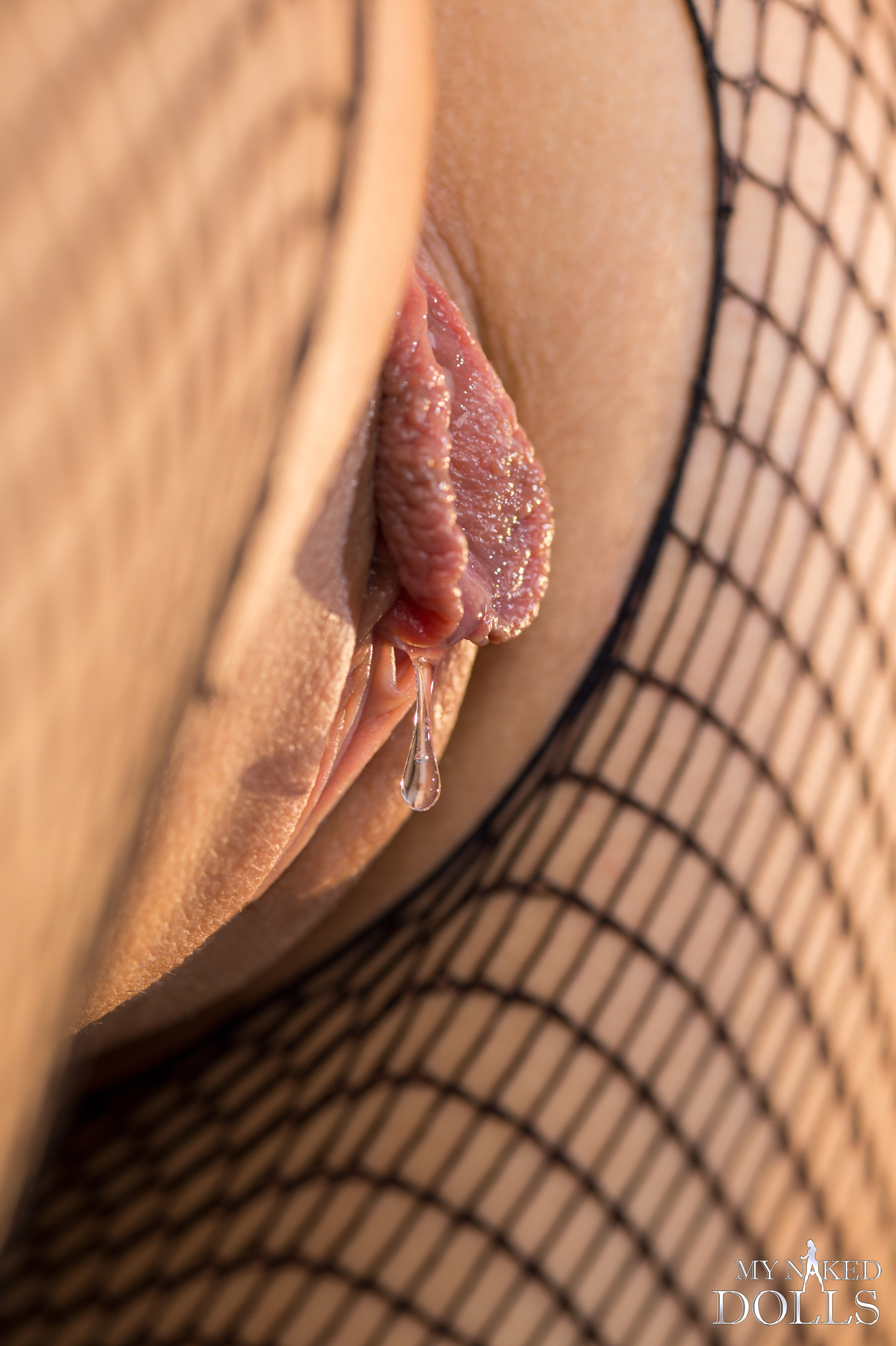Sapphire's pussy juice almost dripping Porn Photo