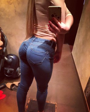 amateur photo in jeans