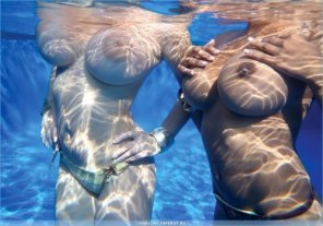 amateur photo Floaters in the pool