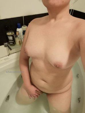 amateur photo Cheeky bath time pic 😉🛀