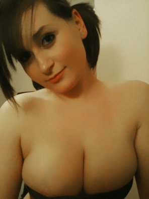 amateur photo Pretty cleavage