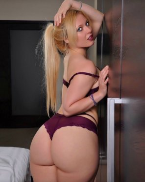 amateur photo Thick azz blonde