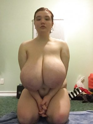 amateur photo Big girl, bigger tits