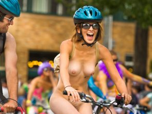 amateur photo Naked bike rider