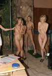 amateur photo Nude karaoke