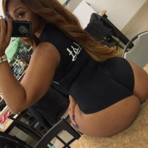 amateur photo Booty on the table