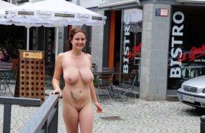 amateur photo big tits out in public