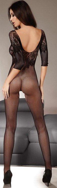 amateur photo Full body fishnet