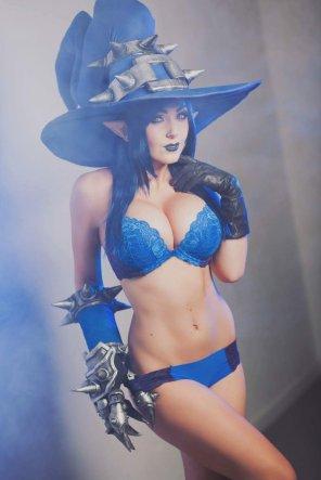 amateur photo Bursting cosplay