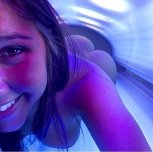 amateur photo Tanning Bed Hottie