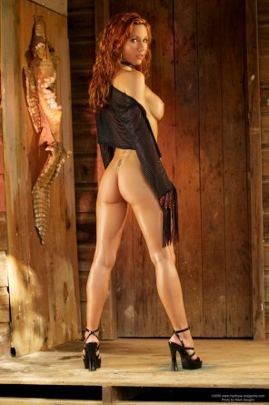 amateur photo The fine legs of redhead Jennifer Korbin