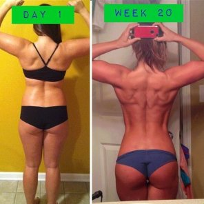 amateur photo Chick Brunette Gym Workout Muscles