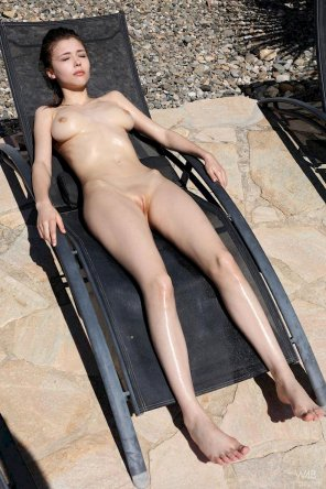 amateur photo Mila Azul sunbathing