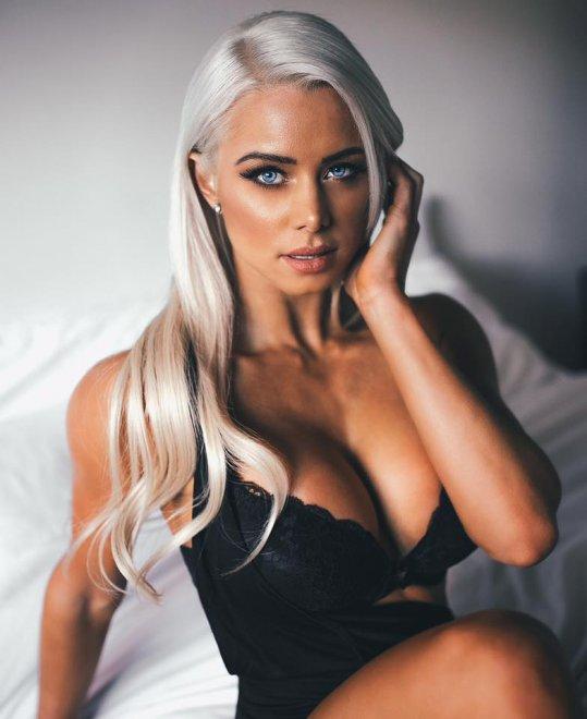Lauren Simpson big blues Porn Photo