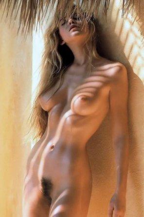 amateur photo Lean body...