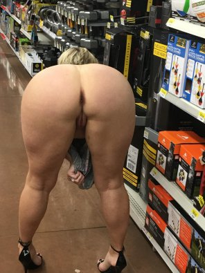 amateur photo Crystina Rossi - The Booty Queen - Flashing Ass in the Store