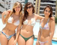 amateur photo Friends In Bikinis