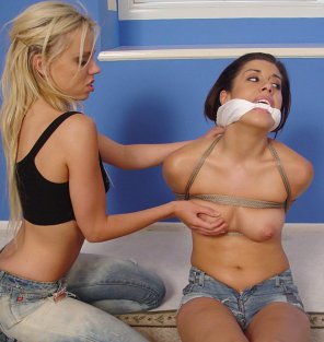 amateur photo Aggressive blonde, Submissive brunette