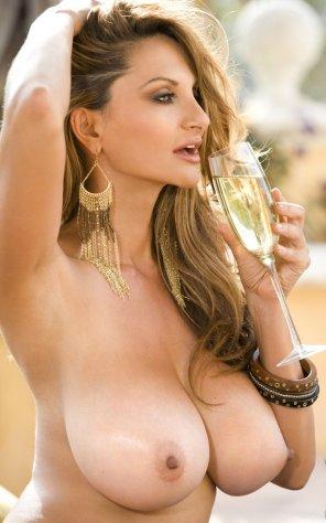 amateur photo White Wine