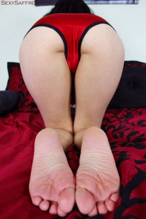 amateur photo Thick Ass In Red Satin
