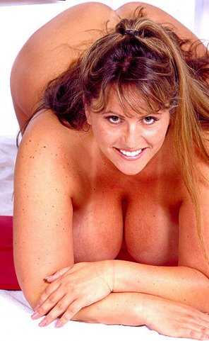 amateur photo Big smile, big boobs