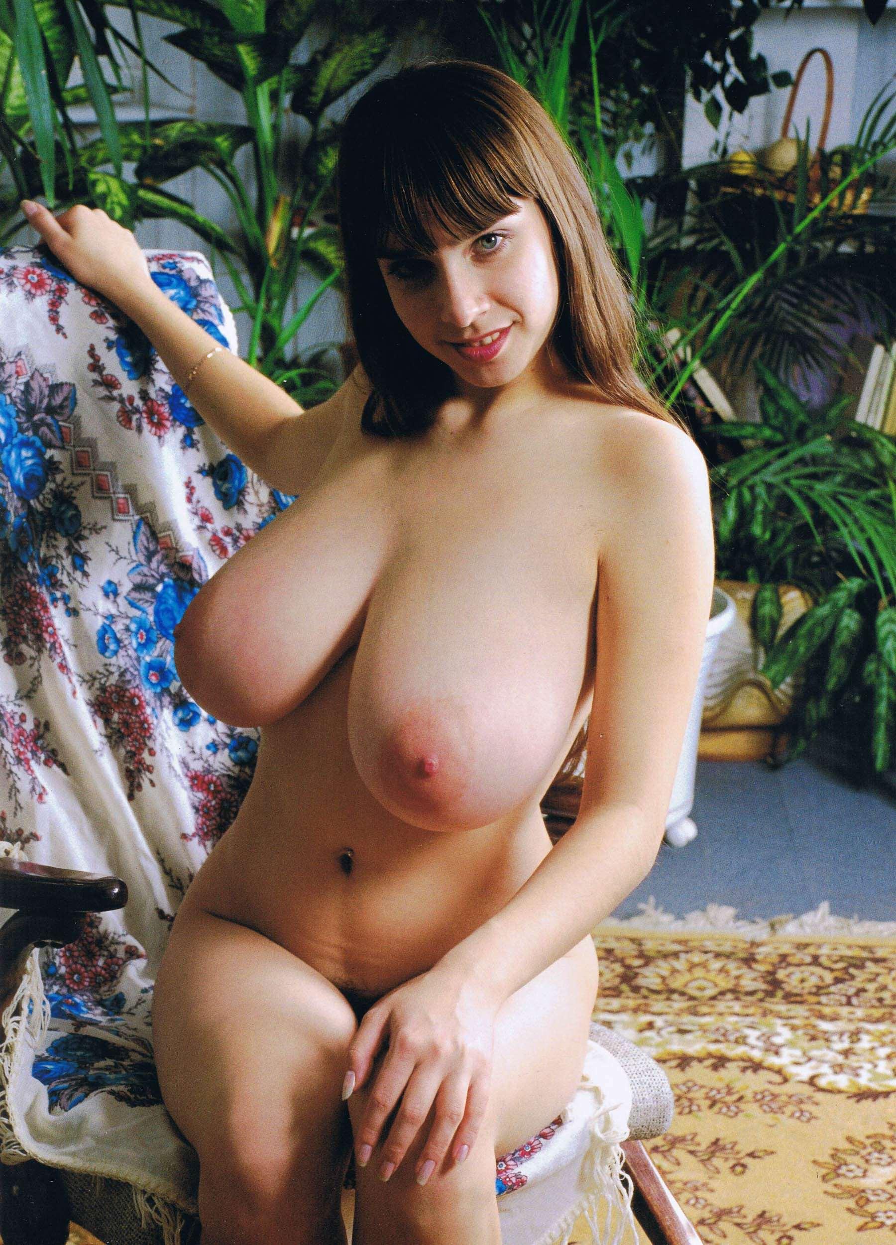 Yulia Nude