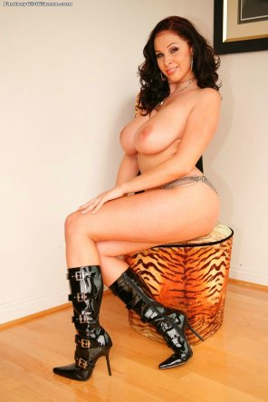 amateur photo Gianna Michaels in hot fetish boots