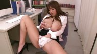 Hitomi Tanaka plays with herself at work