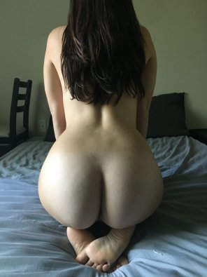 amateur photo My husband says I taste sweet, who wants to taste me next? ;)