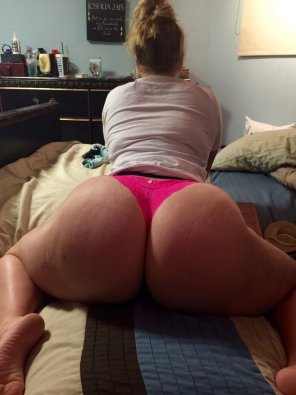 amateur photo White girls have the best booty.