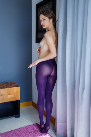 amateur photo Purple Leggings