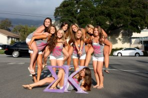amateur photo Sigma Kappa girls