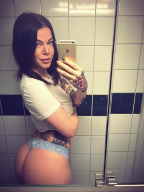 amateur photo PictureTattos and a great ass!