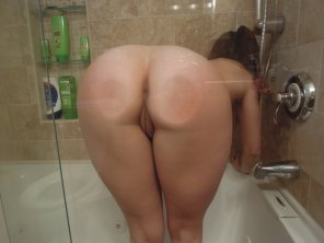 amateur photo Ass against glass
