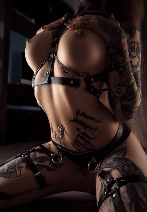 amateur photo Straps and chains