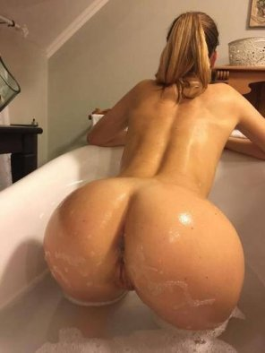 amateur photo Nice and wet