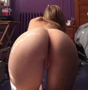 amateur photo Shining ass