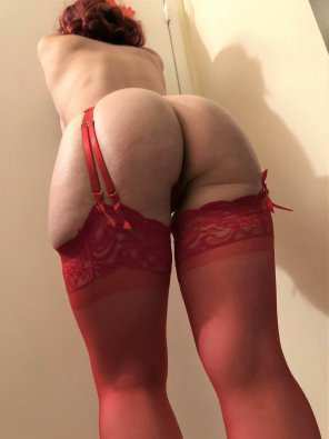 amateur photo Red all over