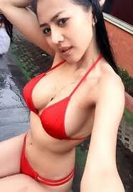 amateur photo the breast wrapped in a red bra really woow