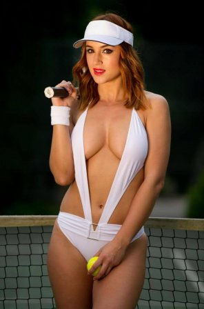 amateur photo Rosie Jones ready for tennis