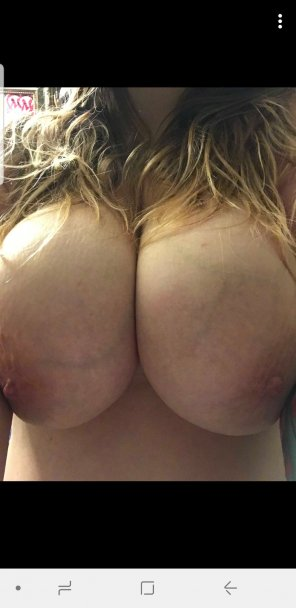 amateur photo Boobs in the [f]ace