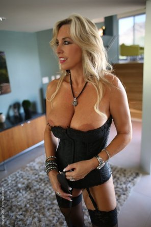 amateur photo Blonde Milf