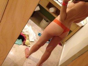 amateur photo Orange. Random. Side Boob. Whatever. :)