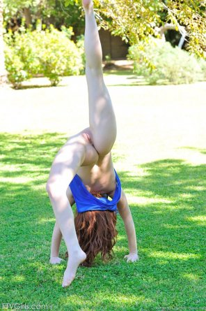 amateur photo Naughty acrobatics