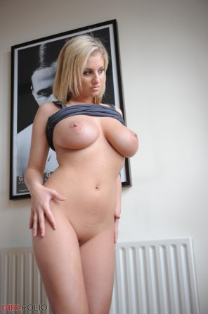 amateur photo Blonde hair, blue eyes and big natural tits